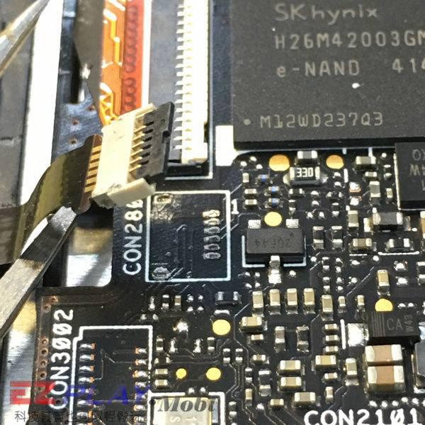 asus zenfone 5 无法开机音量建也不能操作, 经过我们的检测,发现机